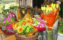 Thornhill Market Florist, flower arrangements, hand tied bouquets, wedding and corporate florals, floral trends, floral design seminars, flowers in Thornhill and Toronto