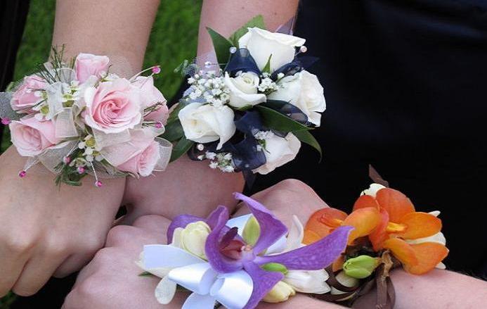 Thornhill florist prom sweet sixteen flowers for Flower arrangements for sweet 16